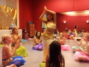 Buikdansfeestje Kinderdans Haarlem Jolanda Slot-Krol Raniya